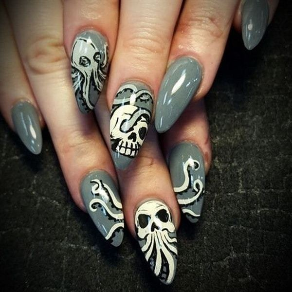 gray cxolor Skull Nail art for women
