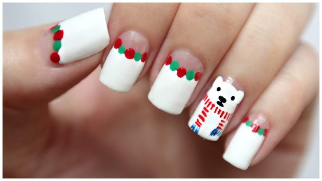 Christmas Bear animal print nail design