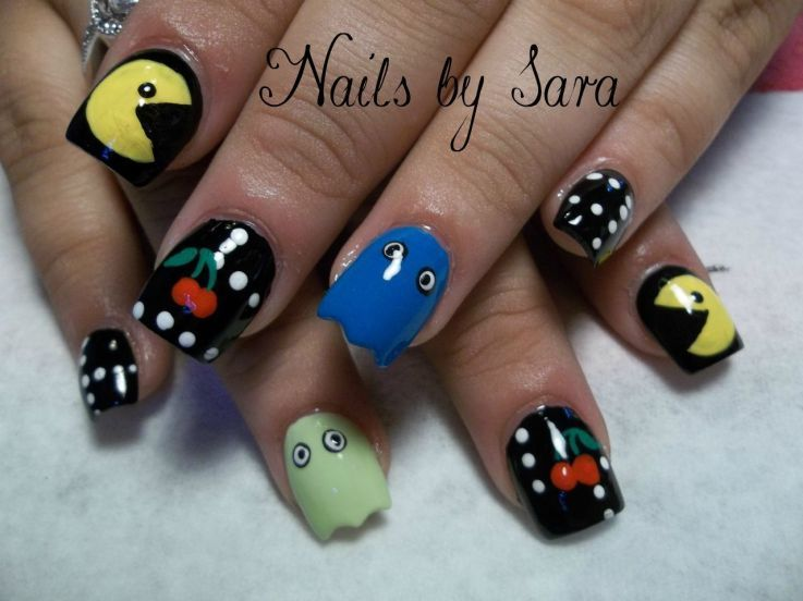 Pac-Man Funky Nail art for little girl