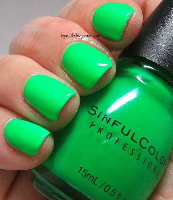 frog color lime green nail idea
