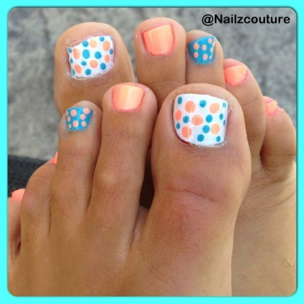 Polka dot pedicure nail design for girl