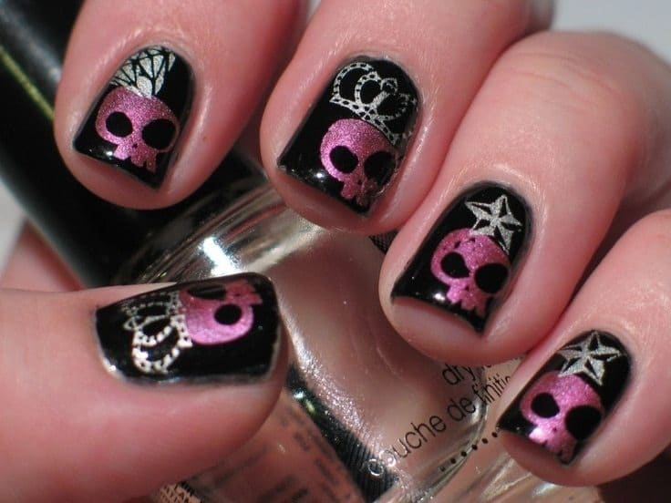 pinkjSkull Nail idea for women