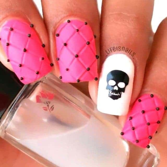 20 Hottest Skull Nail Designs To Put You On Center Stage