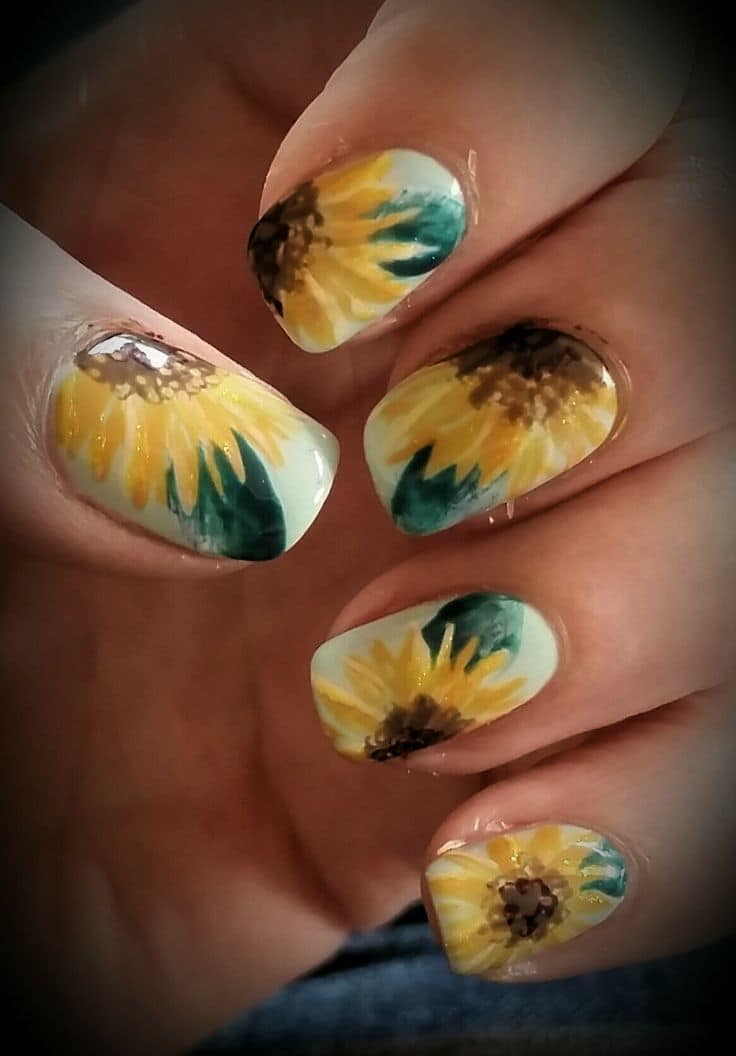 Sunflower Hippie Nail idea