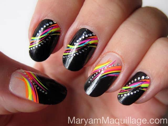 20 funky nail designs that are totally adorable naildesigncode round nail funky design prinsesfo Images