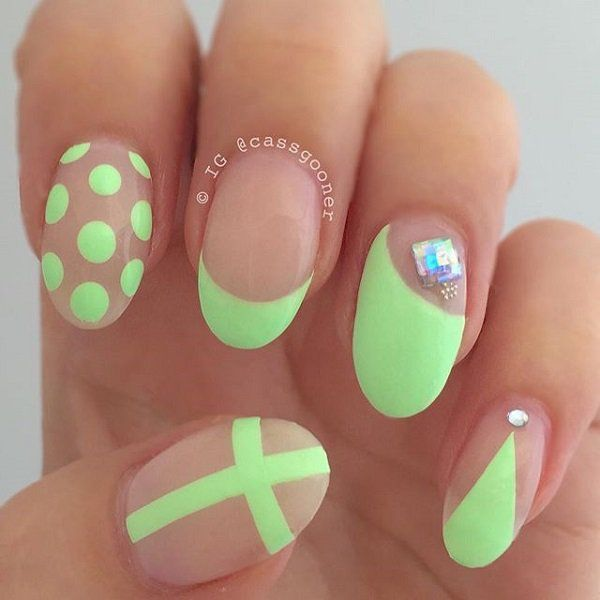 polka Dot with lime green nail
