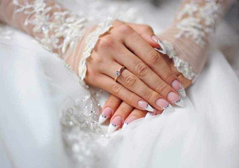 20 magical bridal nail designs for the big day naildesigncode prinsesfo Images