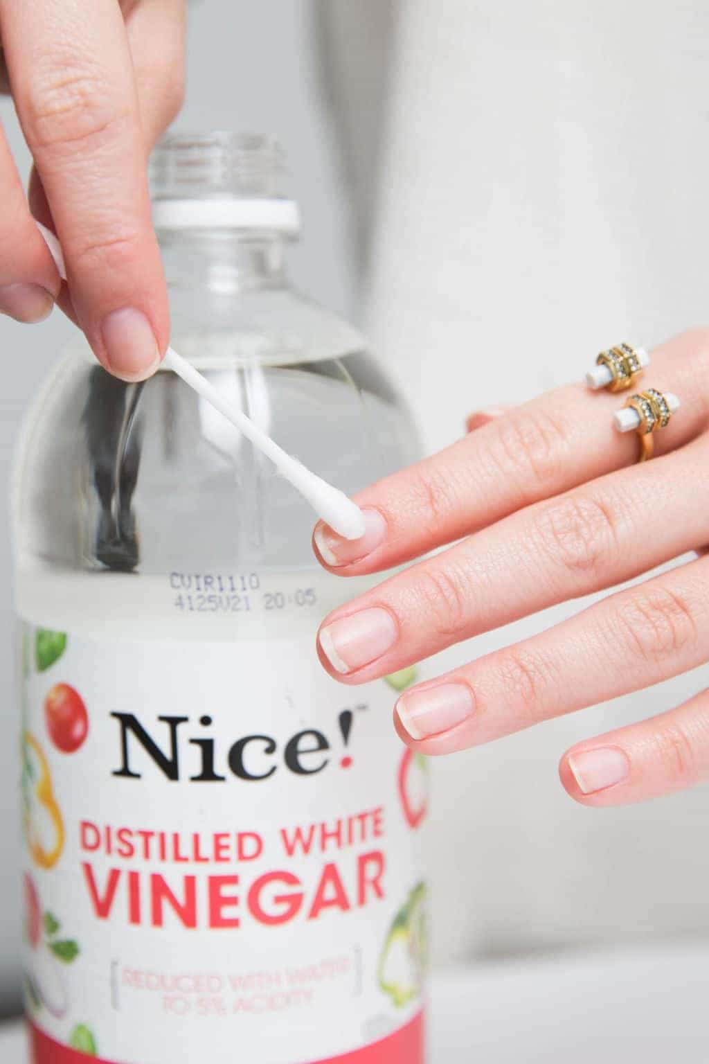 Apply Vinegar on Nails
