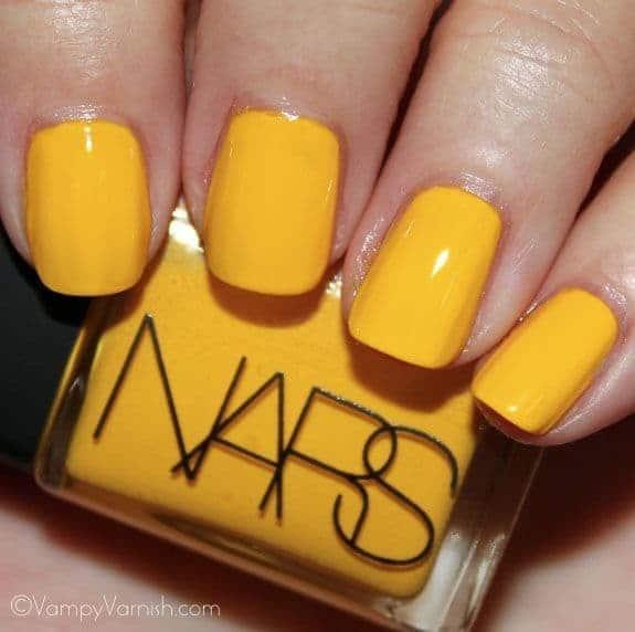 yellow nail idea