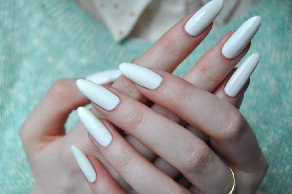 Royalty White nail idea