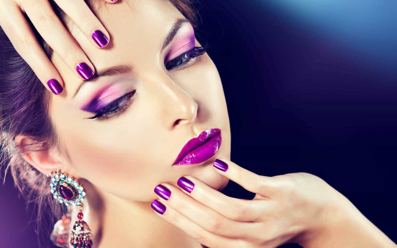 Deep Purple color nail with your makeup