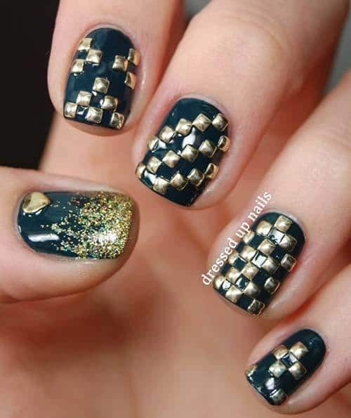 3D Checkered Nail Art