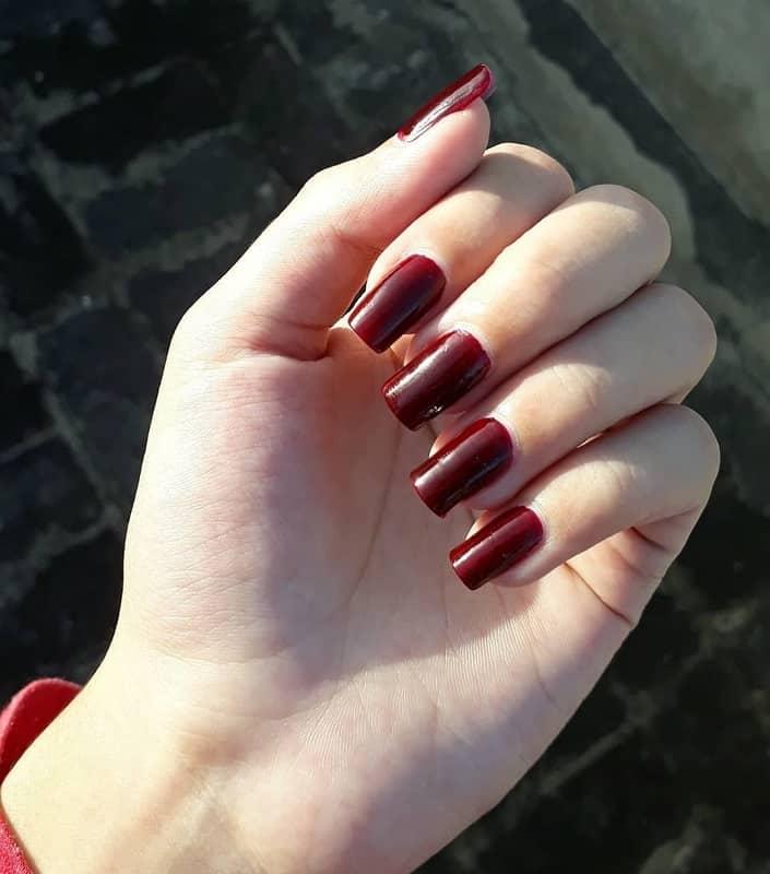 maroon nail color for fall season