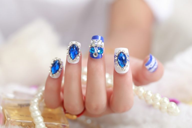 25 Hottest Royal Blue Nail Ideas for 2021