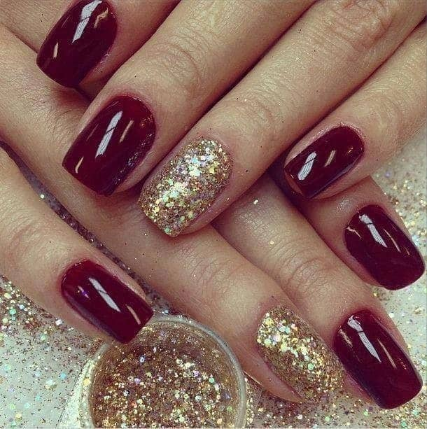 short Maroon and Gold Nail