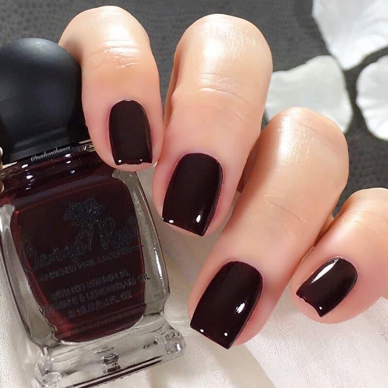 deep maroon nails