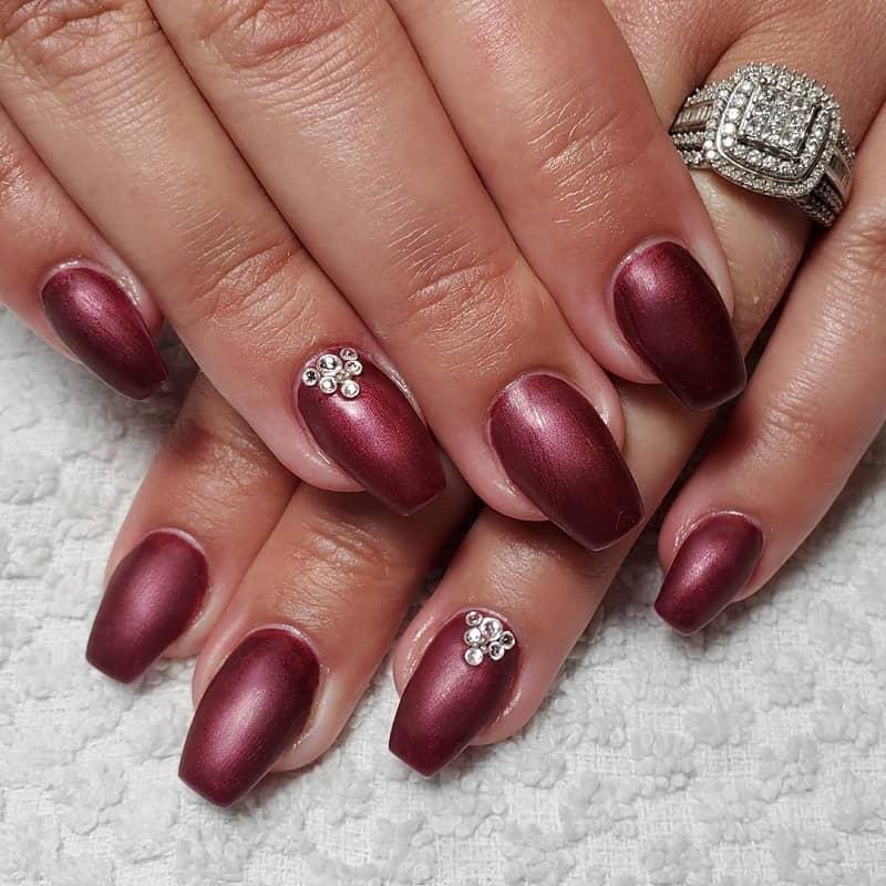 maroon gel nails