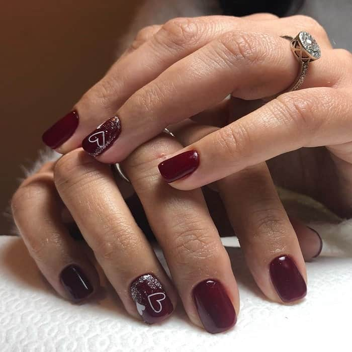 maroon short acrylic nails