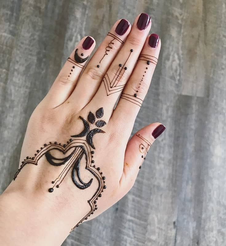 essie maroon nail polish