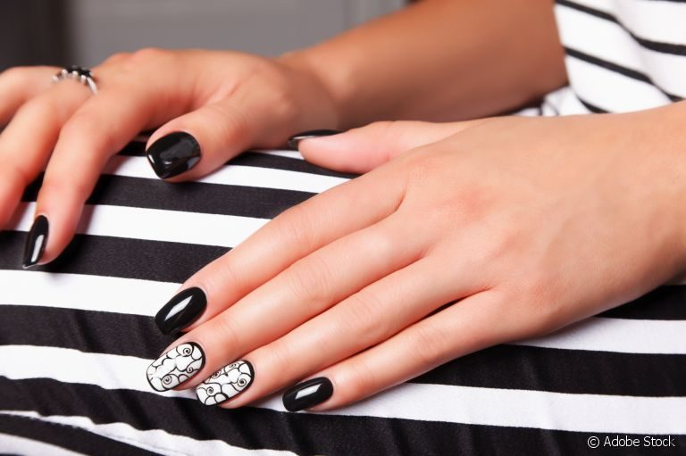 6 Different Types of Artificial Nails You Can Try