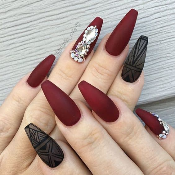 5 Spell-Binding Maroon Acrylic Nails for 2018 – NailDesignCode