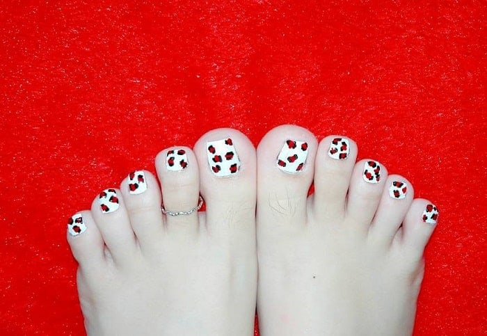 Cheetah Printed Toe Nail Design