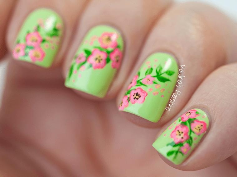 green floral nail arts