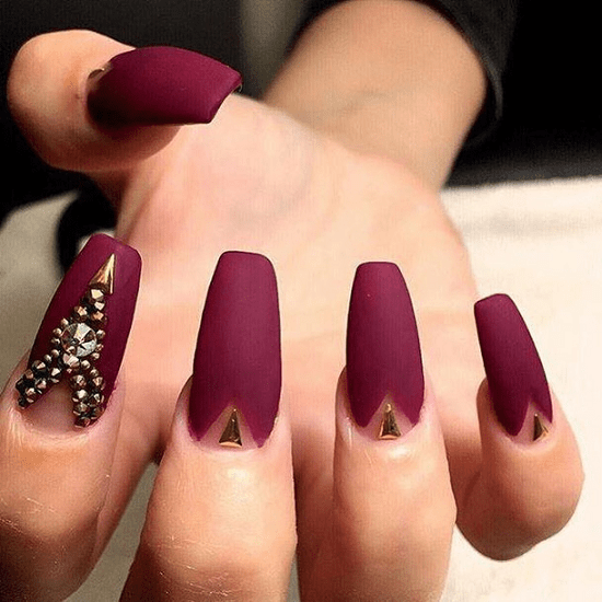 7 Classy Maroon Matte Nails You Must Have Naildesigncode