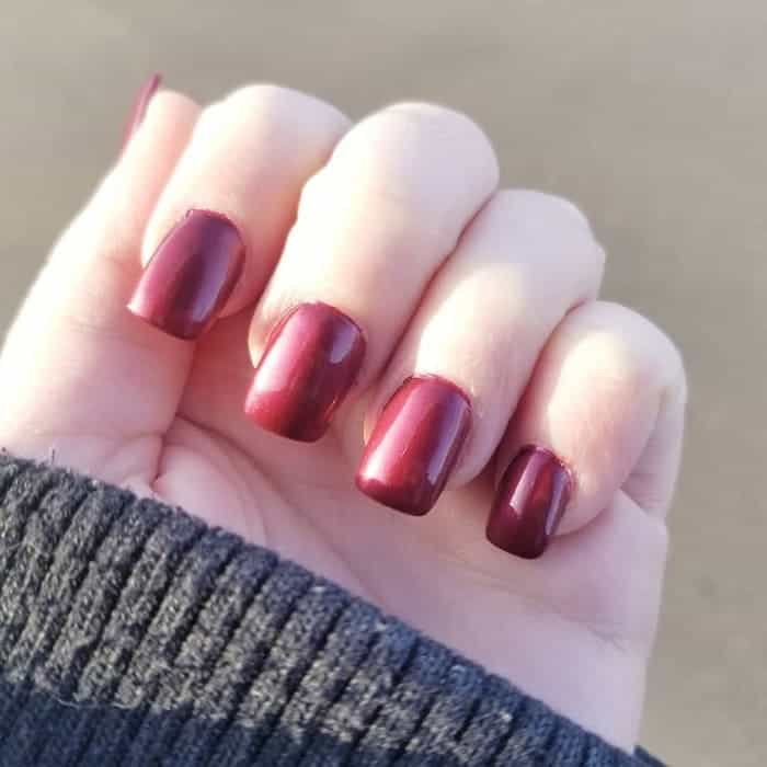 maroon square nails