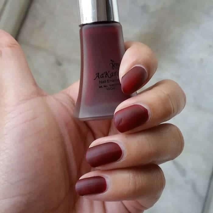 matte maroon nails