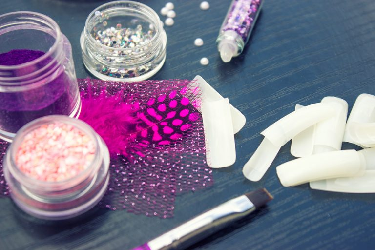DIY Nail Glue: How to Make in 4 Simple Steps