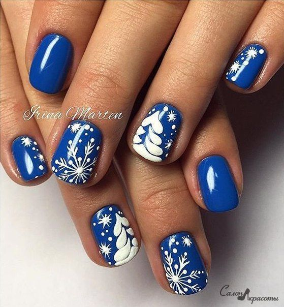 Snowy Blue Winter Nail Art