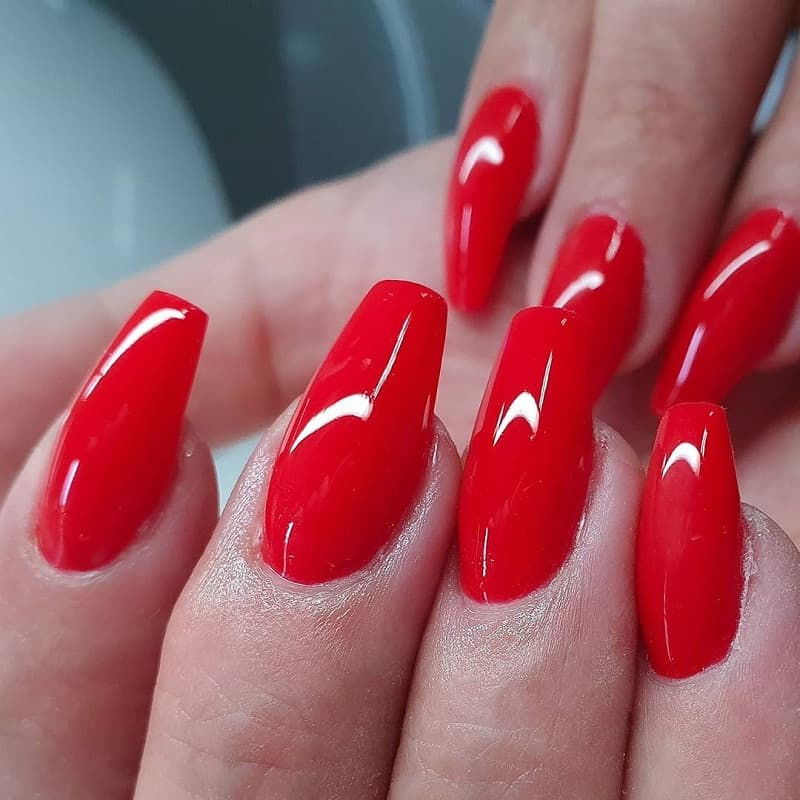 red ballerina nails