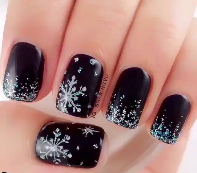 Snowflake Design on Nails