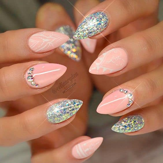 15 On-Trend Short Stiletto Nails for 2020 – NailDesignCode