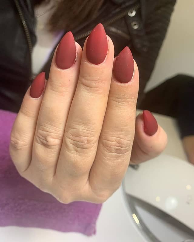 short matte stiletto nails