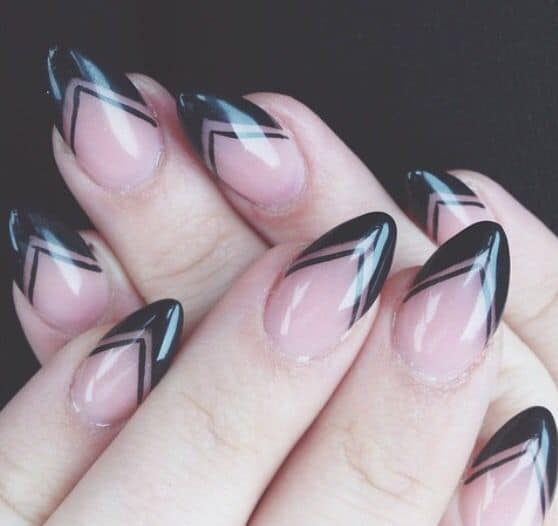 15 eye catching black tip nails that are simply elegant keeping negative spaces in between v shaped black tips can be a good choice to design your black tip nails draw the nails with v shaped black tips first prinsesfo Image collections