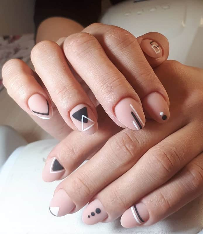short oval natural nails