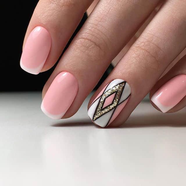geometric accent nail