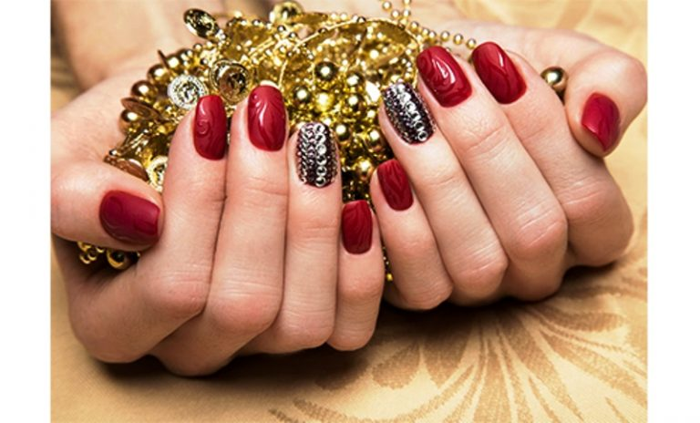 50+ Awesome Accent Nails to Explore