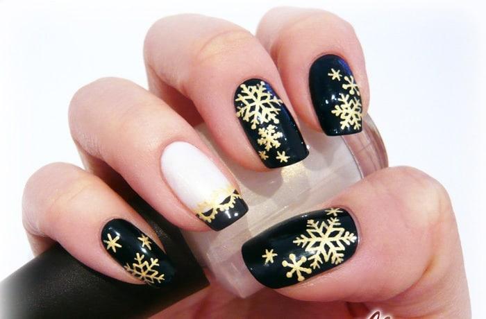 Monochrome Snowflake Design