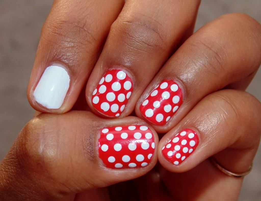 30 Astounding Accent Nails To Add That Extra Glam