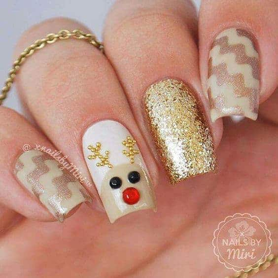15 Festive Reindeer Nail Art to Invite Santa Clause
