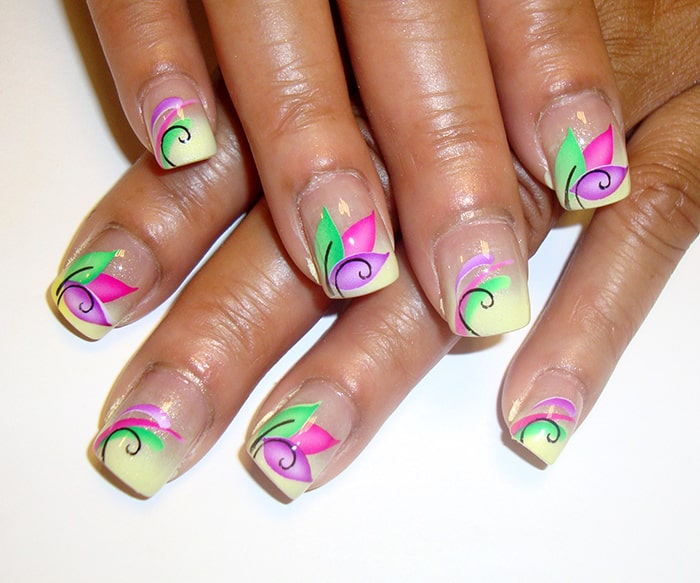 Airbrushed Patel Nail Art