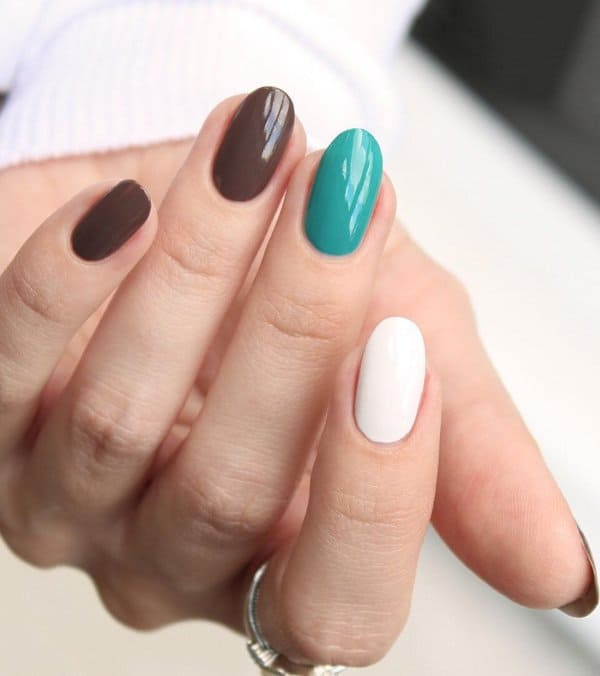 Round Acrylic Nail Design
