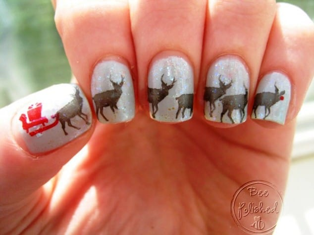 15 festive reindeer nail art to invite santa clause naildesigncode reindeer sled nail design prinsesfo Choice Image