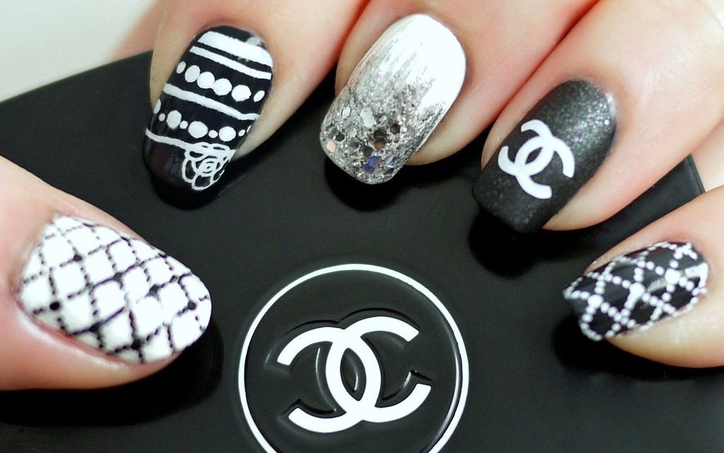 7 chanel nail designs to flaunt love for brands naildesigncode patterned chanel black white channel nail designs prinsesfo Image collections