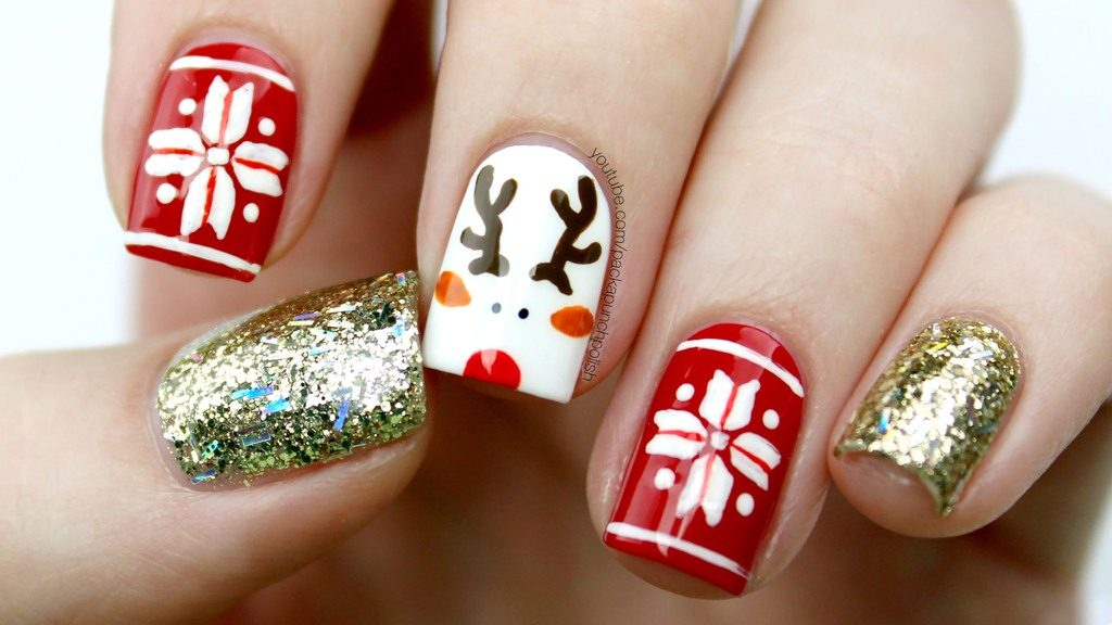 Lonely Reindeer With Glitter Nail