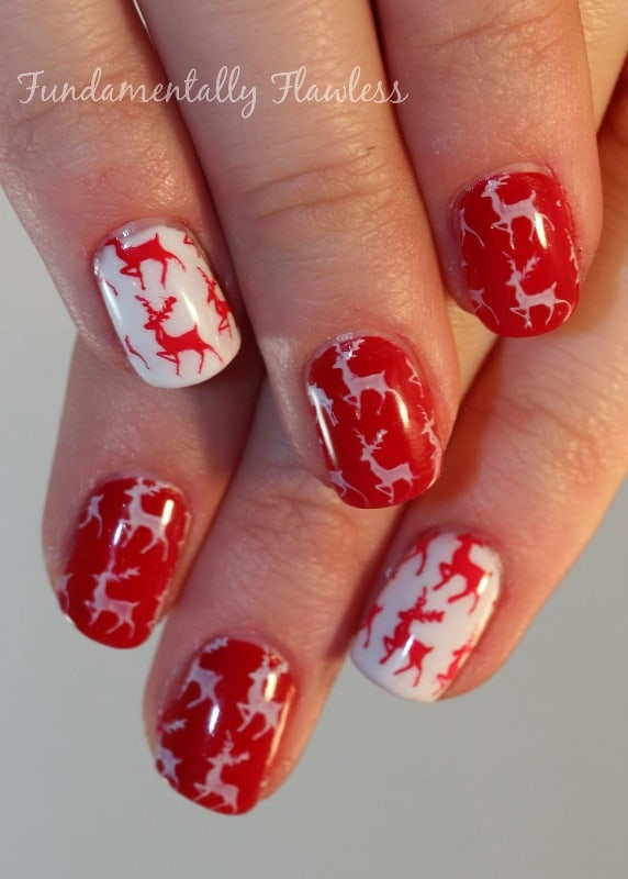 15 festive reindeer nail art to invite santa clause naildesigncode marble reindeer nail design prinsesfo Choice Image