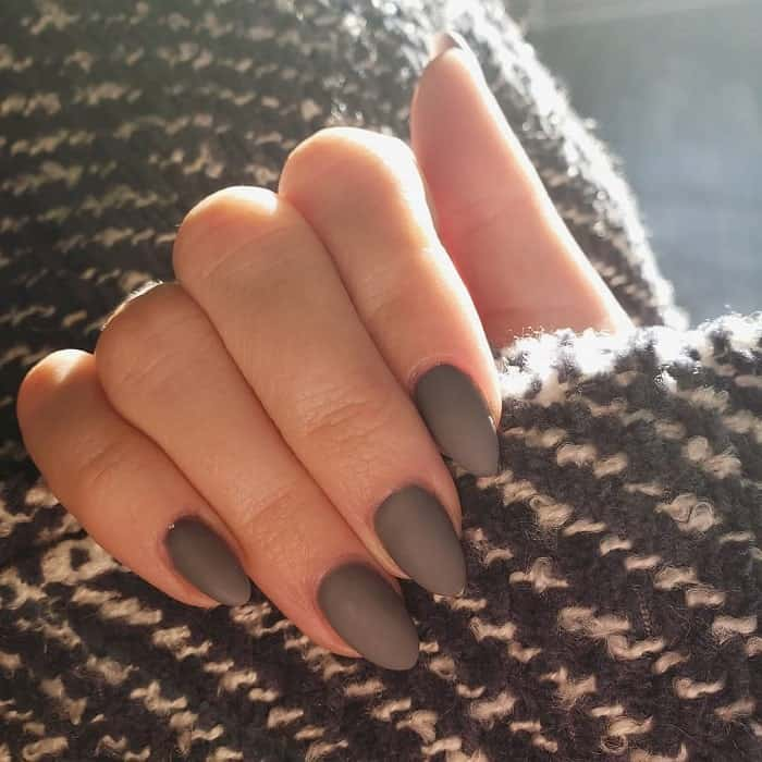 Short Oval Matte Nails